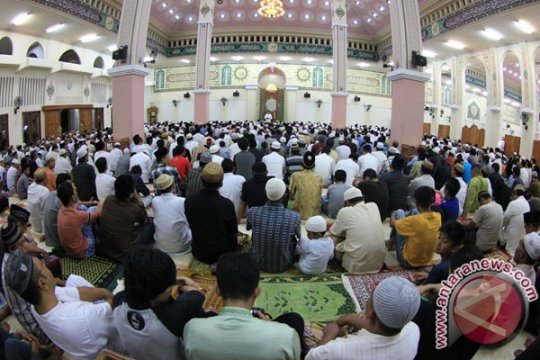 Gubernur Gorontalo akan shalat Idul Fitri di Masjid Baiturahim