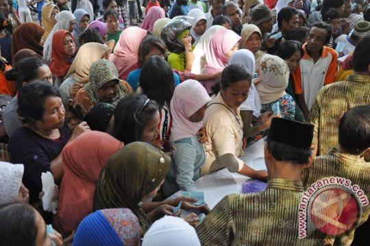 Warga serbu pasar murah di Kota Gorontalo