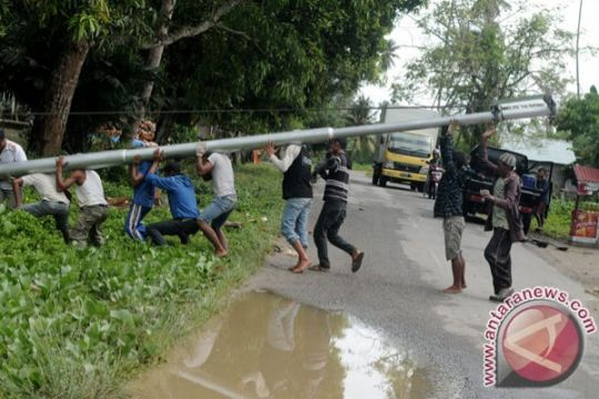 Sebanyak 19 desa di Kabupaten Gorontalo segera menikmati listrik