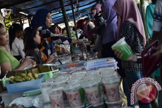 Jajanan berpewarna tekstil beredar di Denpasar