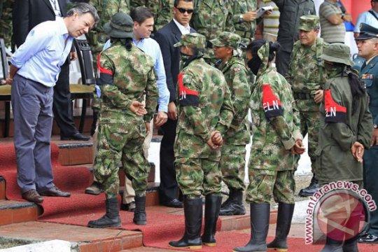 Pipa minyak Trasandino Kolombia rusak akibat serangan bom