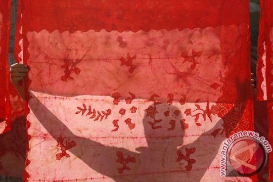 Seniman batik tampilkan keindahan Indonesia di Swiss