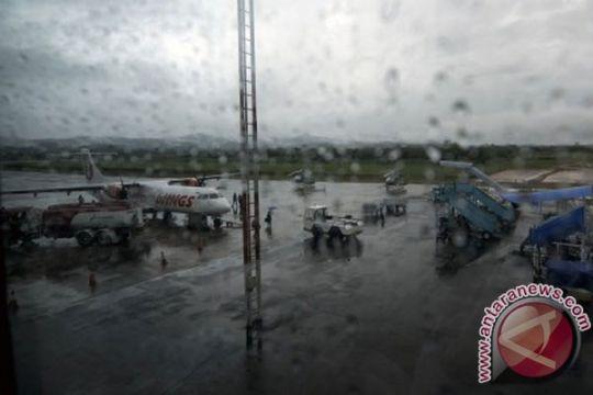 Cuaca buruk, empat pesawat batal mendarat di bandara Kendari