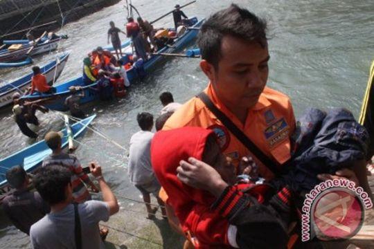 Empat wisatawan korban kecelakaan laut di Palabuhanratu