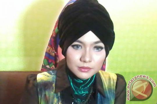 Vicky Shu mengaku bayar penuh biaya umrah First Travel