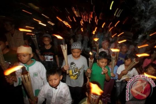 Warga mulai padati halaman Masjid Baiturrahman Banda Aceh