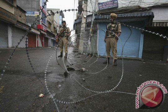 Milisi tewaskan lima polisi India dalam serangan di Kashmir
