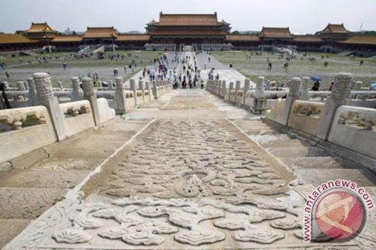 """Kota Terlarang China dan Vatikan coba """"diplomasi seni"""""""