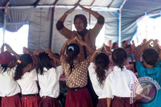 Legislatif desak gaji ratusan guru Maluku Tengah segera dibayar