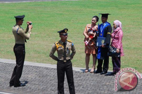Presiden lantik pamong praja muda IPDN