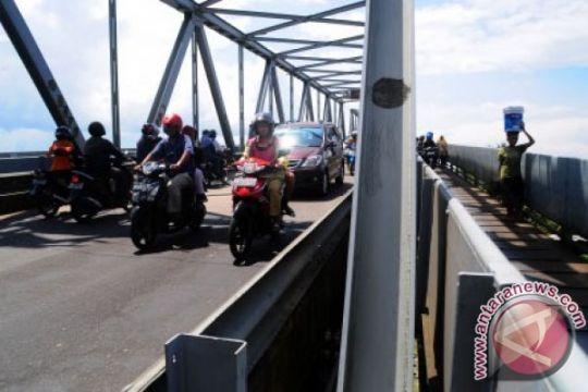 Jembatan Kapuas I ditutup bagi kendaraan roda empat