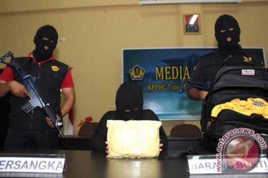 Bea Cukai Dumai tangkap pria membawa sabu senilai Rp3 miliar