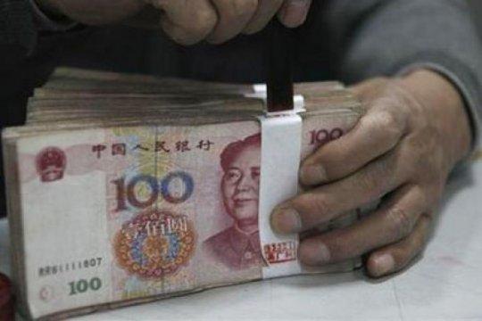 Yuan turun lagi 38 basis poin jadi 6,4883 terhadap dolar AS