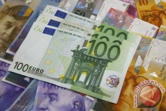 Euro jatuh ke level terendah dua bulan, setelah data zona euro suram
