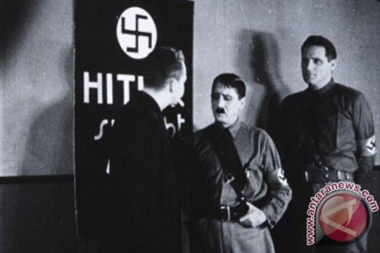 "Bruno Ganz pemeran Hitler dalam ""Downfall"" tutup usia"