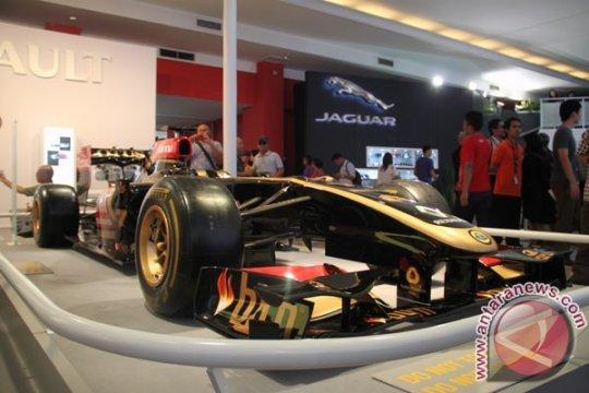 Mobil F1 Tim Lotus Renault di IIMS 2013