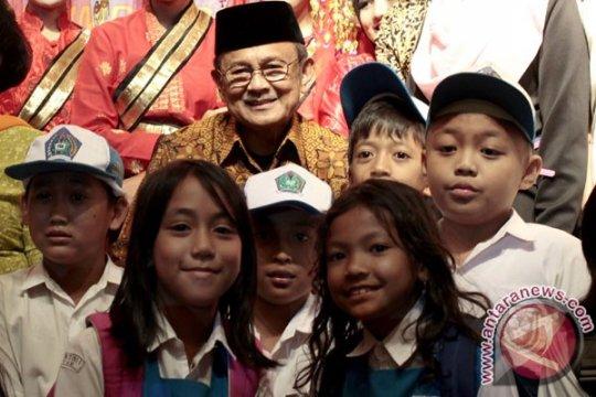 Habibie wafat, KPAI: Anak Indonesia teladani Habibie