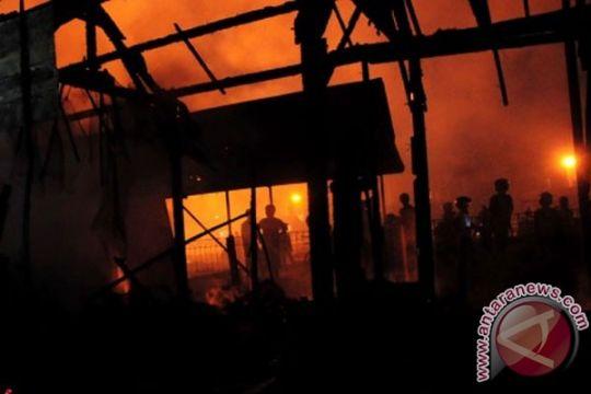 Polisi duga kebakaran pabrik akibat mesin oven