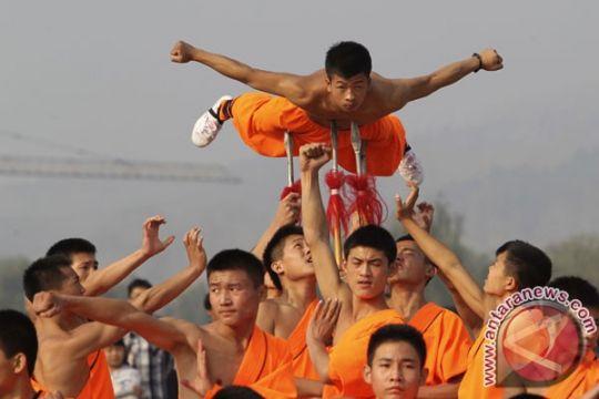 11 orang termasuk biksu ditahan akibat konflik dengan polisi