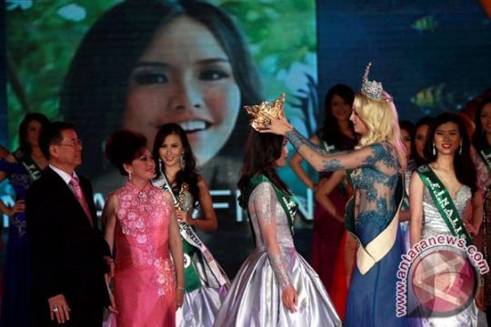 Nita Sofiani jadi Miss Earth Indonesia 2013