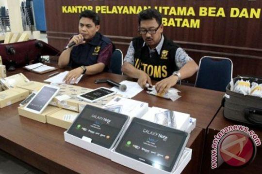 Petugas Bandara Hang Nadim diduga terlibat penyelundupan ponsel pintar