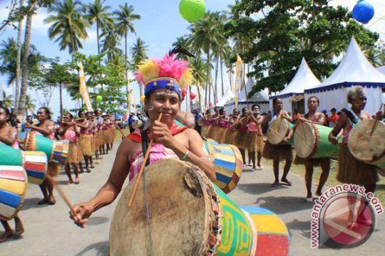 Tim penari datang dari Papua untuk Syukuran Rakyat