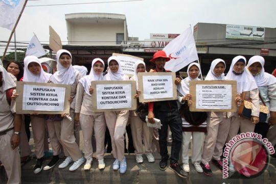 Fraksi DPRD Sulut minta pemerintah perhatikan UMP 2014