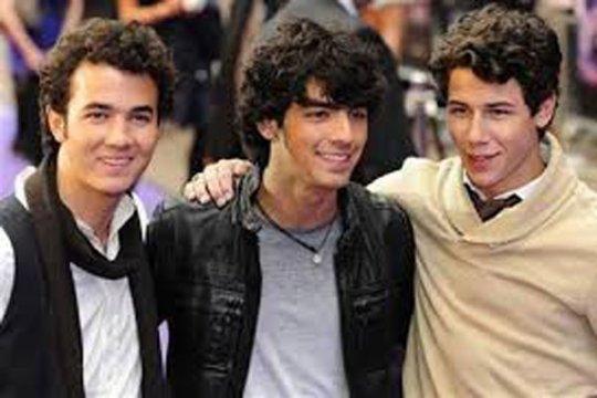 Jonas Brothers bubar