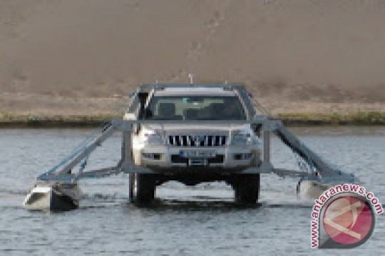 Mobil amfibi Toyota tempuh 60.000 km