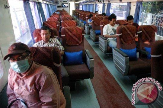 Sempat terdampak longsor, jalur KA Pangrango Bogor-Sukabumi kembali normal