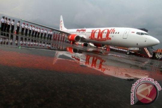 Pesawat Lion Air Padang-Batam mendarat di Medan