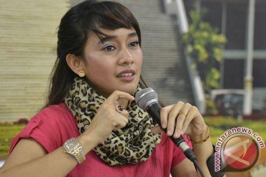 Noriyu bersama suami sepakat tahan laporan KDRT