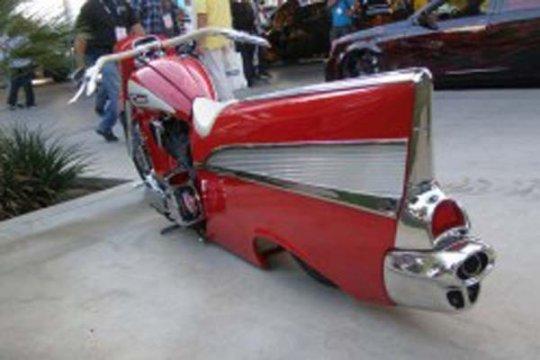 """Chevrolet 1957 """"berubah"""" jadi sepeda motor"""