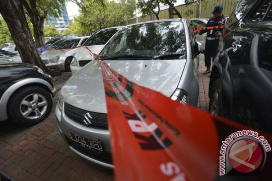 KPK sita 18 mobil terkait Akil Mochtar