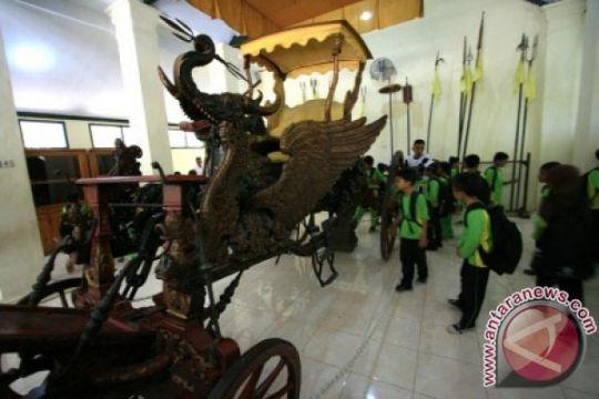 Keraton Kasepuhan Cirebon ubah museum pusaka jadi modern
