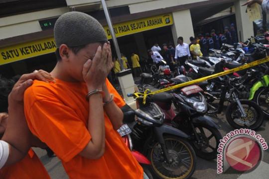 Kriminal kemarin, terduga pencuri motor hingga penemuan jasad bayi