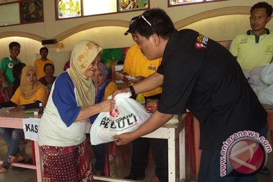 AGP distribusikan paket sembako murah di Ancol