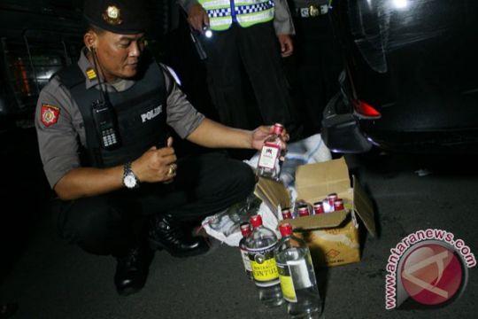 Satpol-PP Bogor sita ratusan minuman beralkohol ilegal