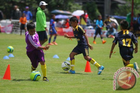 Mendikbud buka kompetisi sepak bola GSI tingkat SMP di Padang