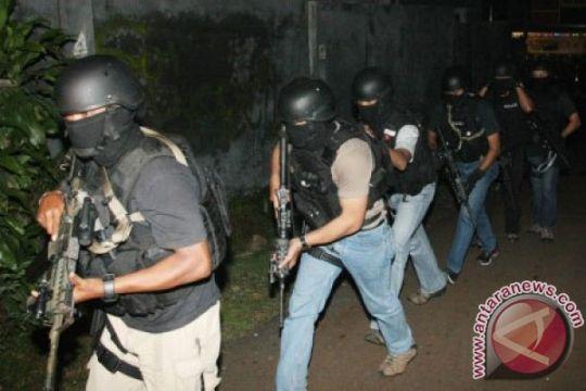 Polisi gerebek tempat tinggal terduga teroris di Klaten