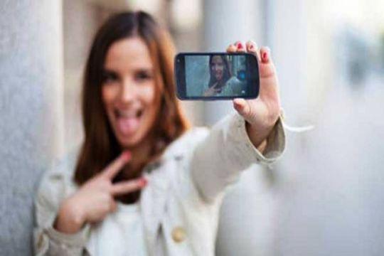 Olivia Jensen hobi selfie agar lebih dekat penggemar