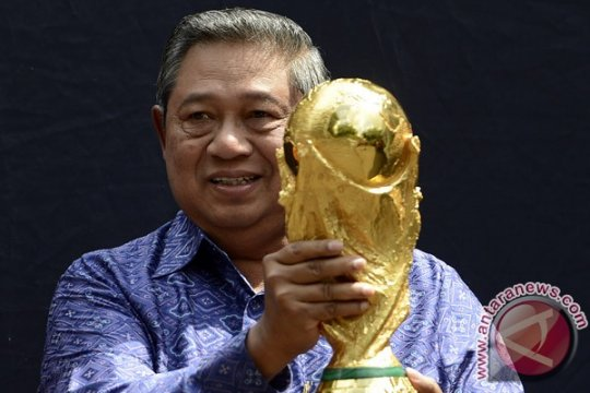 "SBY dan ""lebaran kuda"""
