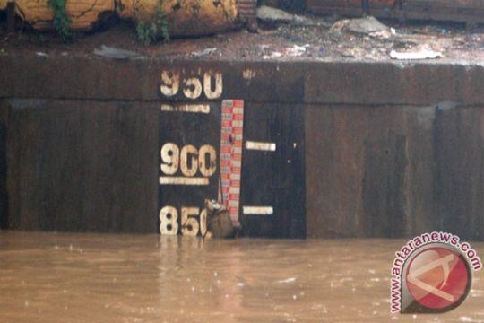 BPBD DKI: pintu air Angke siaga II, warga diminta waspada
