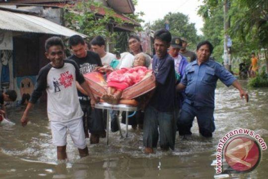 APBD belum disahkan, pegawai Pemkot patungan bantu korban