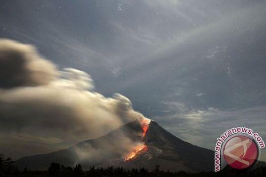 19 gunung api berstatus Waspada