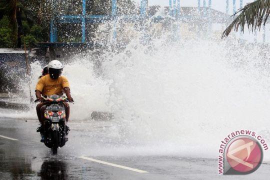 Tekanan rendah di Samudra Pasifik Utara Papua pengaruhi cuaca Maluku