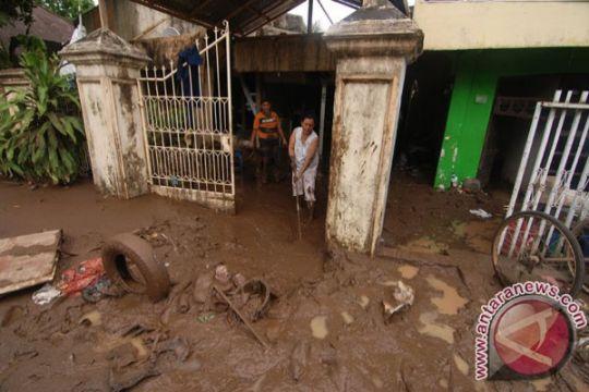 Banjir tinggalkan lumpur 30 cm di Lumbis Nunukan