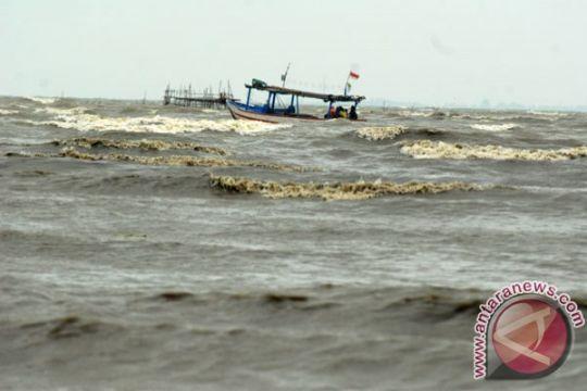 Pasang air laut Belitung 2,40 meter
