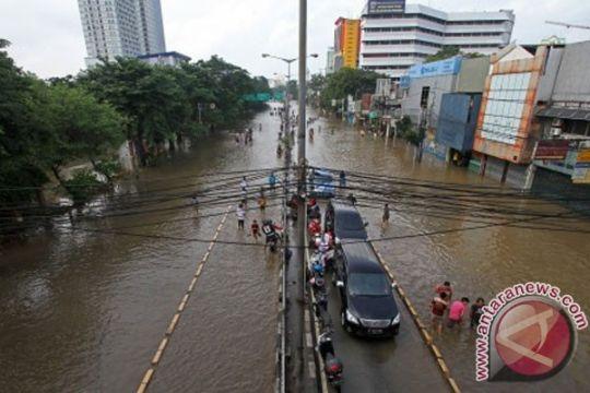 Pasca banjir arah Cikamurang Indramayu padat merayap