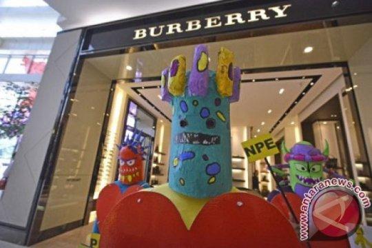 Saham Burberry melonjak saat Bursa Inggris ditutup melemah